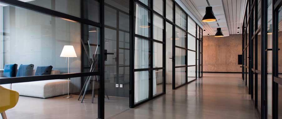 Tipos de divisórias para espaços corporativos
