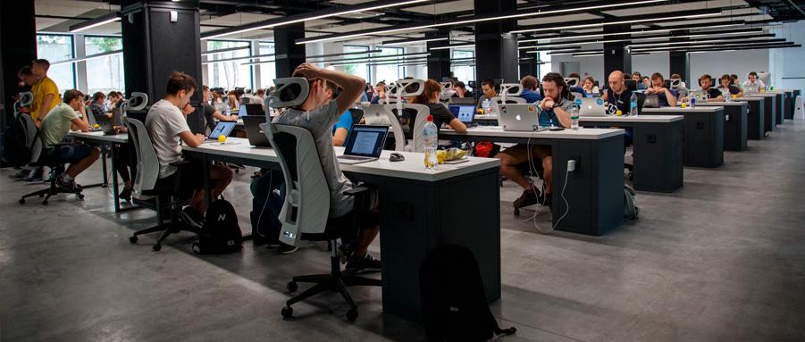 Como criar ambientes corporativos versáteis, práticos, agradáveis e bonitos